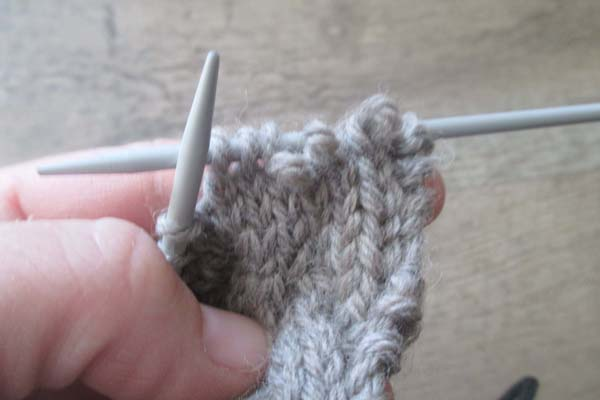 how-to-knit-the-cable-stitch-without-a-cable-needle-step-2