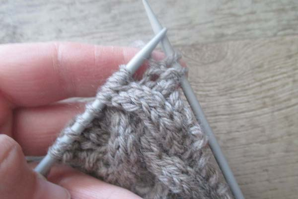 how-to-knit-the-cable-stitch-without-a-cable-needle-step-4