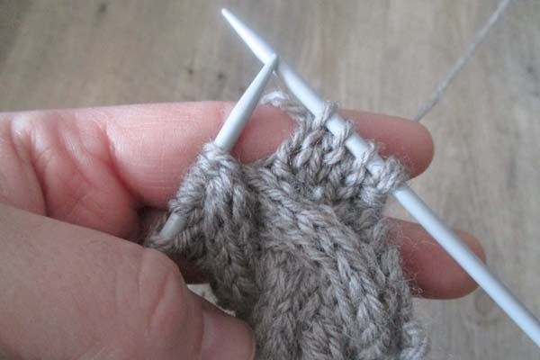 how-to-knit-the-cable-stitch-without-a-cable-needle-step-8